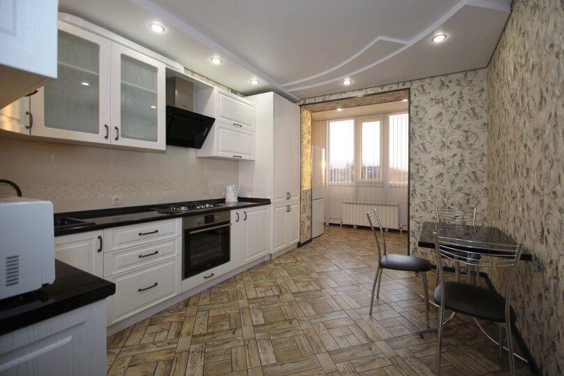 2-комн. квартира, 60 кв.м. на 4 человека, улица Лермонтова, 19А, Белгород - Фотография 11