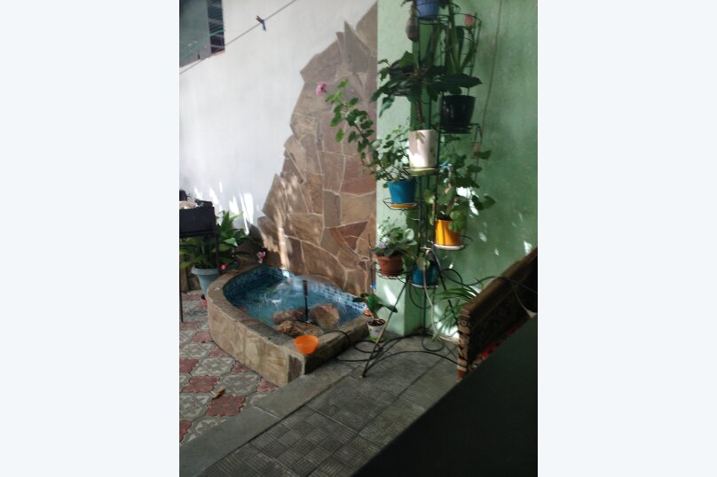 Сдается коттедж в центре города, 85 кв.м. на 10 человек, 4 спальни, Пионерская улица, 20, Алушта - Фотография 3