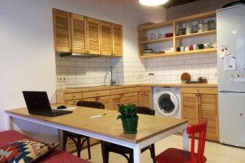 Новый дом, 2й этаж, 1-ком студии с террасой, 50 кв.м. на 4 человека, 1 спальня, улица Водовозовых, Ялта - Фотография 3