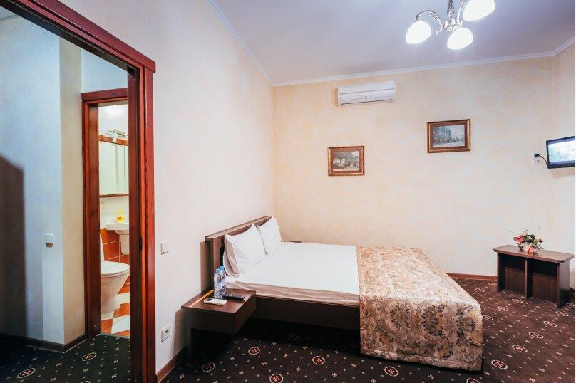 Двухместный делюкс с балконом, улица Дмитрия Ульянова, 4А, Феодосия - Фотография 1
