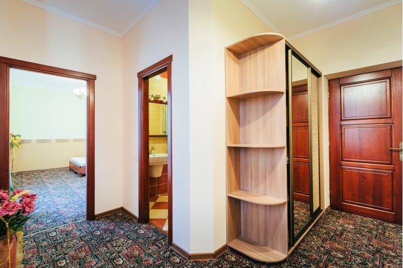Семейный люкс  с балконом, улица Дмитрия Ульянова, 4А, Феодосия - Фотография 4