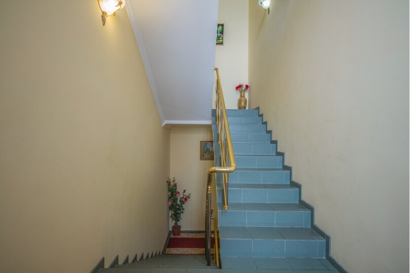 """Гостевой дом """"Династия корпус1"""", Приветливая улица, 12 на 21 комнату - Фотография 5"""