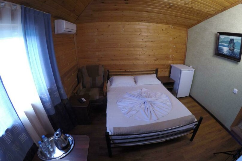 Двухместный номер с 1 кроватью, Черноморская улица, 4Б, Дивноморское - Фотография 1