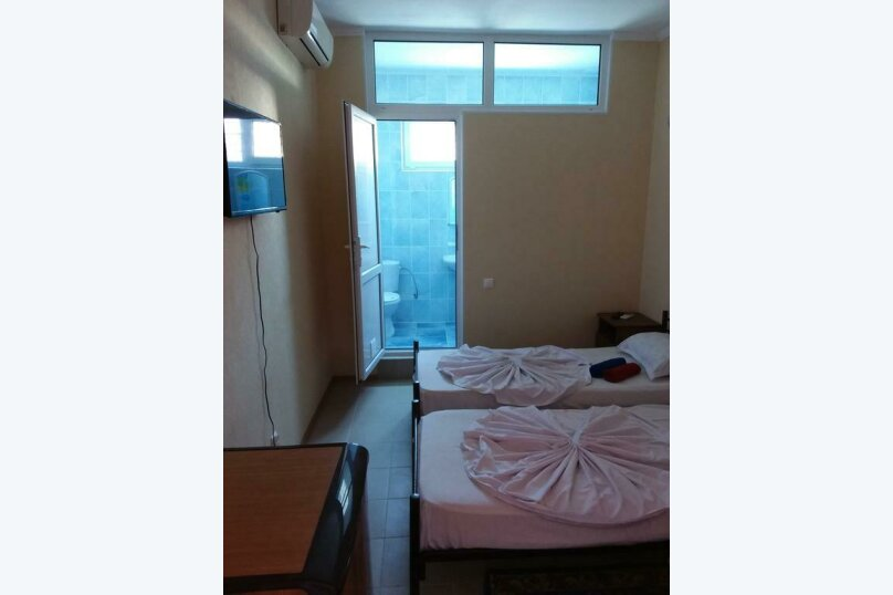 Гостиница 818387, Черноморская улица, 4Б на 18 комнат - Фотография 32