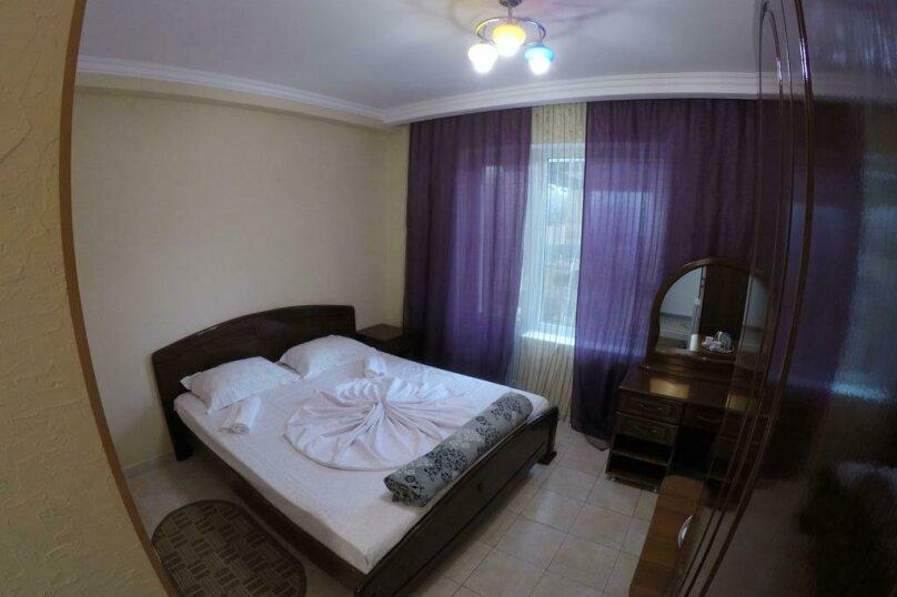 Гостиница 818387, Черноморская улица, 4Б на 18 комнат - Фотография 12