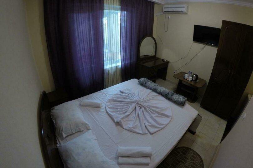 Гостиница 818387, Черноморская улица, 4Б на 18 комнат - Фотография 13