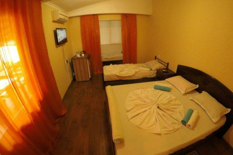 Гостиница 818387, Черноморская улица, 4Б на 18 комнат - Фотография 24