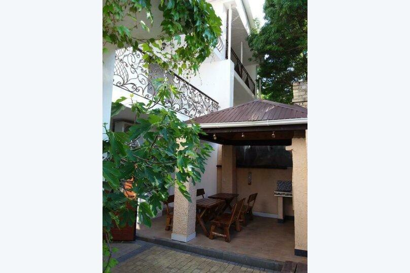 Гостиница 818387, Черноморская улица, 4Б на 18 комнат - Фотография 1
