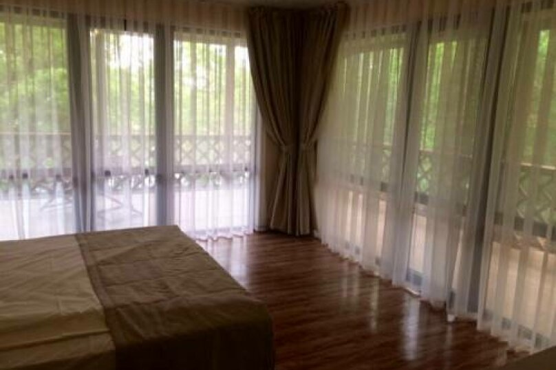 Двухместный номер Делюкс с 1 кроватью и видом на море, Новороссийское шоссе, 3, Джубга - Фотография 5
