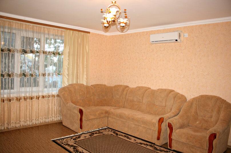 Двухкомнатный ЛЮКС номер на 1 этаже (1 корпус), Новая улица, 1, село Веселое - Фотография 1