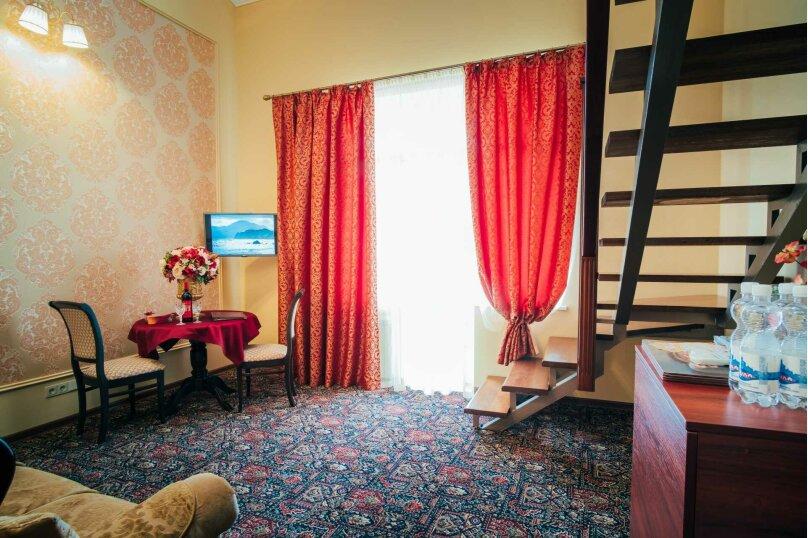 Апартаменты двухуровневые с террасой, улица Дмитрия Ульянова, 4А, Феодосия - Фотография 6