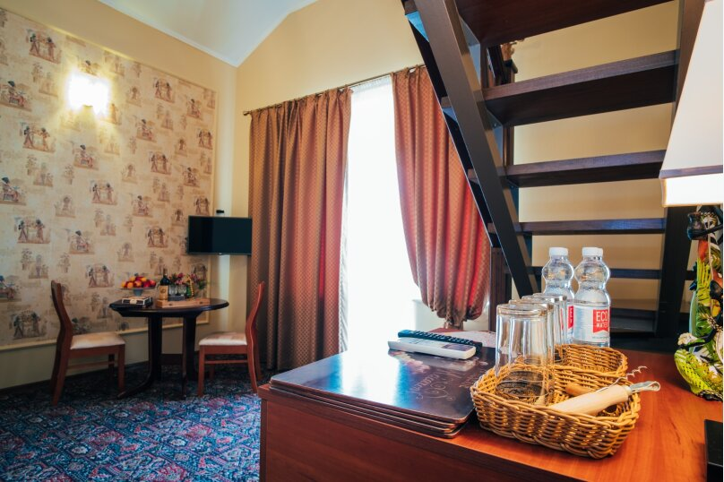 Апартаменты двухуровневые с террасой, улица Дмитрия Ульянова, 4А, Феодосия - Фотография 12