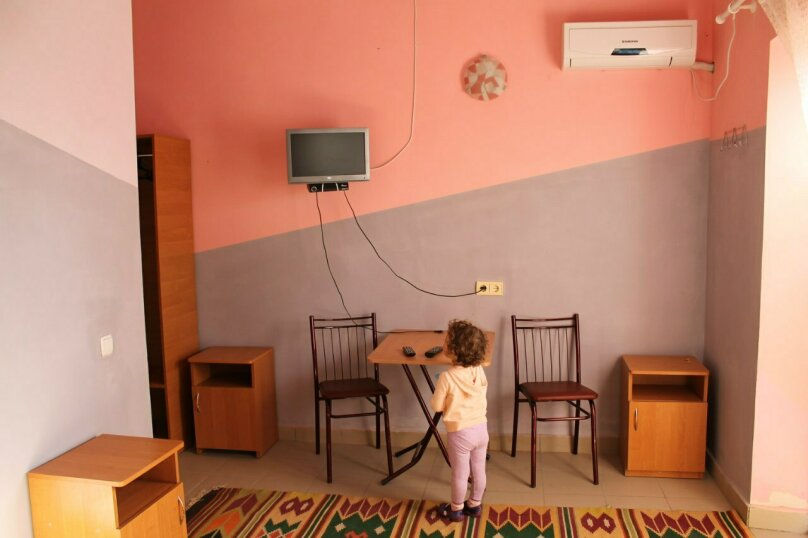 """Гостевой дом """"Лето"""", Солнечная, 12 на 7 комнат - Фотография 23"""