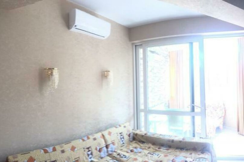 2-комн. квартира, 80 кв.м. на 8 человек, пер революции, 4а, Адлер - Фотография 2