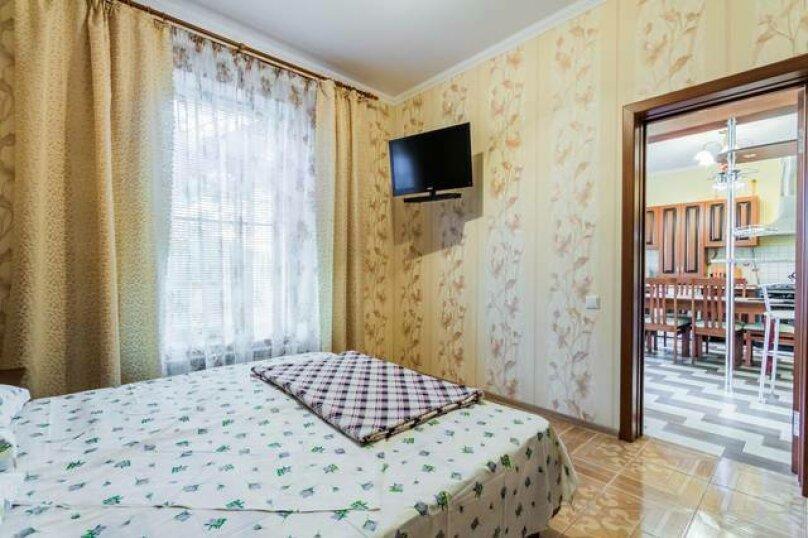 Первый этаж под ключ двухэтажного дома, 155 кв.м. на 9 человек, 3 спальни, Черноморская улица, 34, Витязево - Фотография 6