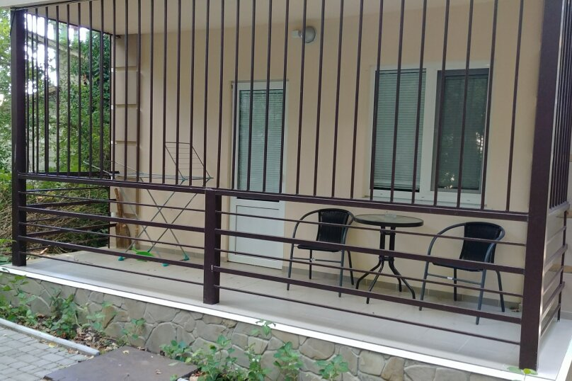 """Гостиница """"На Дмитриева 7"""", улица Дмитриева, 7 на 4 комнаты - Фотография 2"""