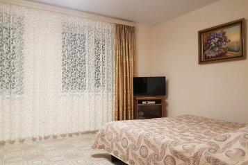 Дом, 80 кв.м. на 8 человек, 3 спальни, улица Ленина, 101, Морское - Фотография 1