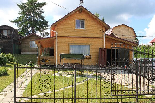 Гостевой дом , 100 кв.м. на 6 человек, 2 спальни