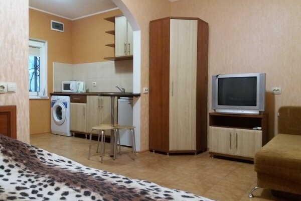 1-комн. квартира, 30 кв.м. на 3 человека, улица Ленина, 3, Алушта - Фотография 1