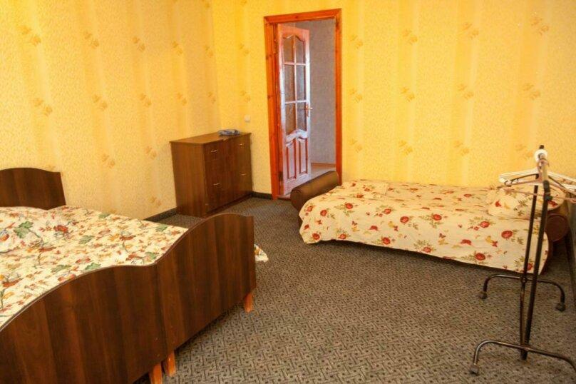 """Гостевой дом """"Прибой"""", Парниковая, 2 на 7 комнат - Фотография 29"""