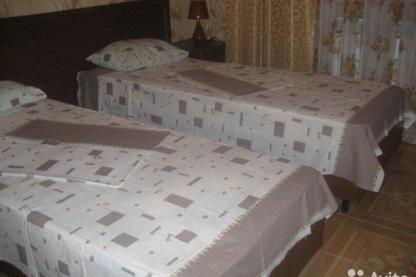 Первый этаж под ключ двухэтажного дома, 155 кв.м. на 9 человек, 3 спальни, Черноморская улица, 34, Витязево - Фотография 17