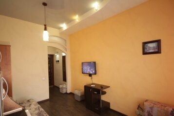1-комн. квартира, 18 кв.м. на 2 человека, улица Адмирала Фадеева, Севастополь - Фотография 1