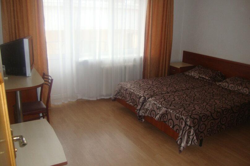 Двухкомнатный Люкс, Уютная улица, 22, Витязево - Фотография 1