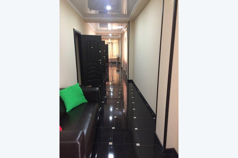 Мини-отель Амир, улица Абазгаа, 65/2 на 4 номера - Фотография 1