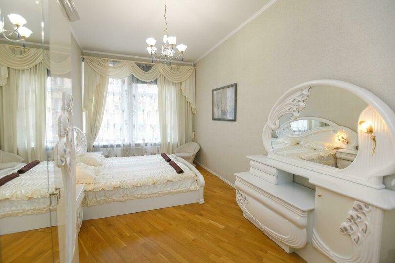"""Улучшенный номер с кроватью размера """"king-size"""", 3-я Советская улица, 7, Санкт-Петербург - Фотография 1"""