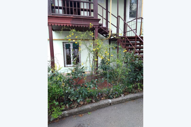 """Гостевой дом """"На переулке Батурина 12"""", переулок Батурина, 12 на 3 комнаты - Фотография 4"""