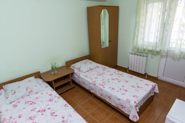 """Гостевой дом """"Курортный городок"""", Фермерский переулок, 10А на 16 комнат - Фотография 1"""