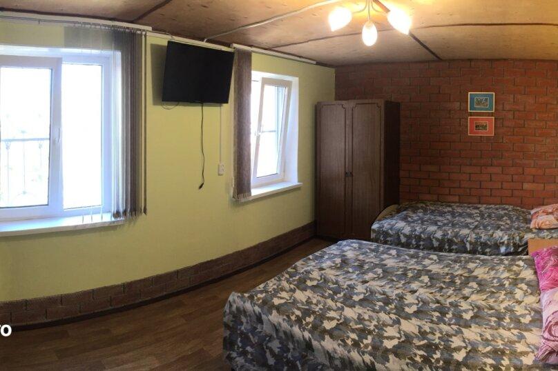 Гостевой дом в Ясенской переправе, Нахимова, 2 на 2 комнаты - Фотография 2