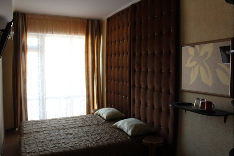 Двухместный  стандарт  с балконом  , Ювес, 11, Судак - Фотография 1