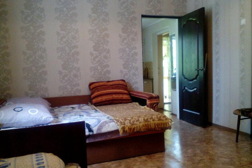 Дом на  3 человек площадью 34 кв.м .Сад!, 34 кв.м. на 3 человека, 1 спальня, улица Ленина, 28, Феодосия - Фотография 4