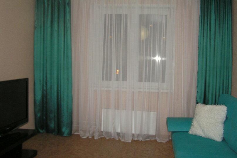 1-комн. квартира на 3 человека, Бурнаковская улица, 111, Нижний Новгород - Фотография 2