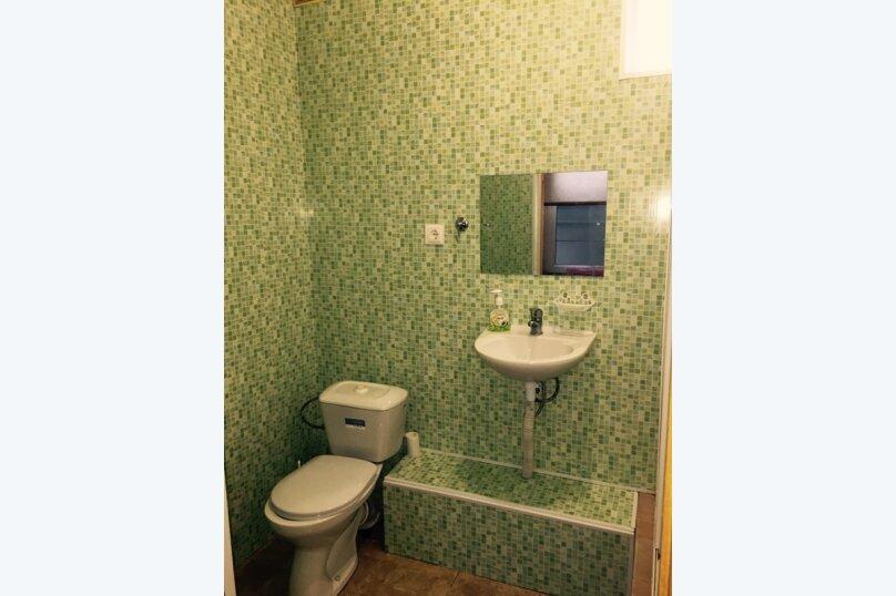 """Гостевой дом """"На Свердлова 38"""", улица Свердлова, 38 на 6 комнат - Фотография 2"""