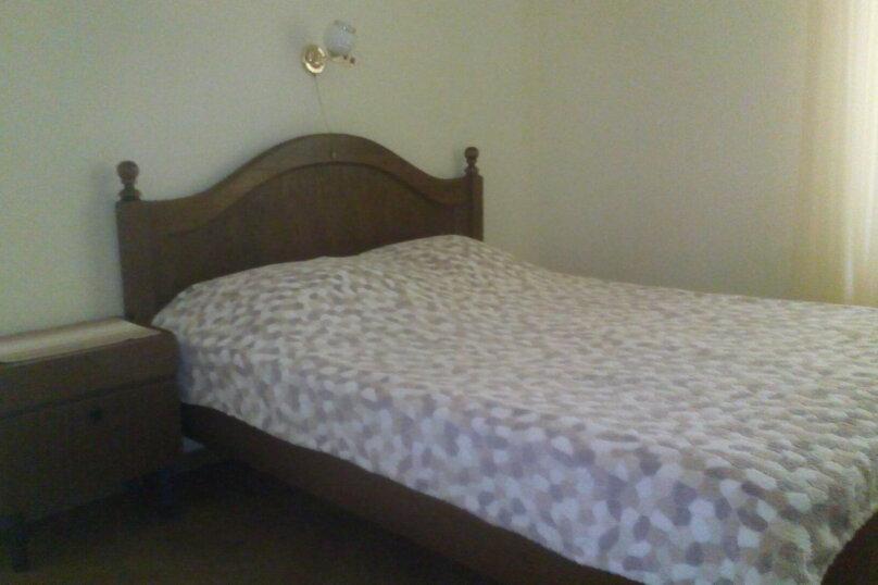 Комната в доме 2, переулок Калинина, 2, Алупка - Фотография 1