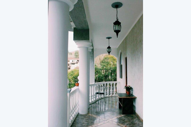 """Гостевой дом """"На Аллее Челтенхема 106"""", улица Аллея Челтенхема, 106 на 8 комнат - Фотография 2"""