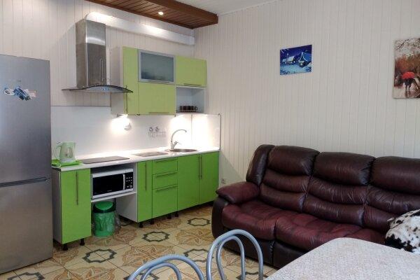 Таунхаус, 110 кв.м. на 8 человек, 3 спальни, Курортная, 33, Банное - Фотография 1