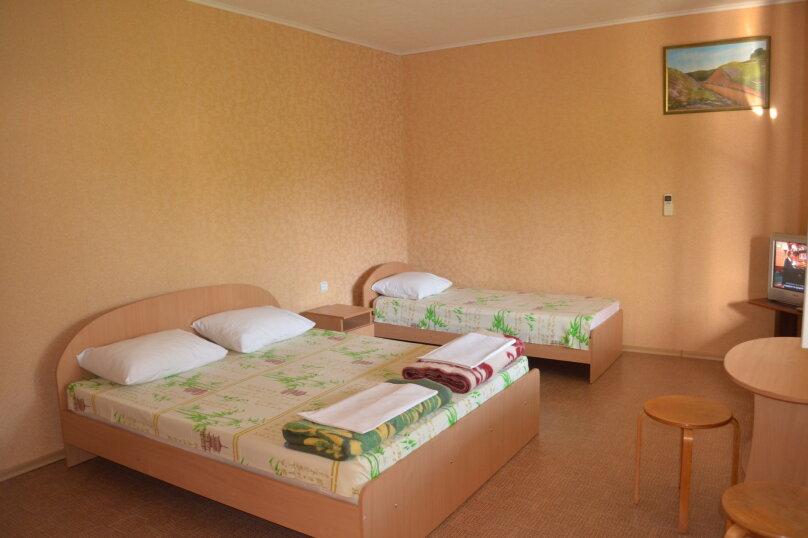 """Гостевой дом """"Уютный дворик"""", Береговая, 4 на 4 комнаты - Фотография 62"""