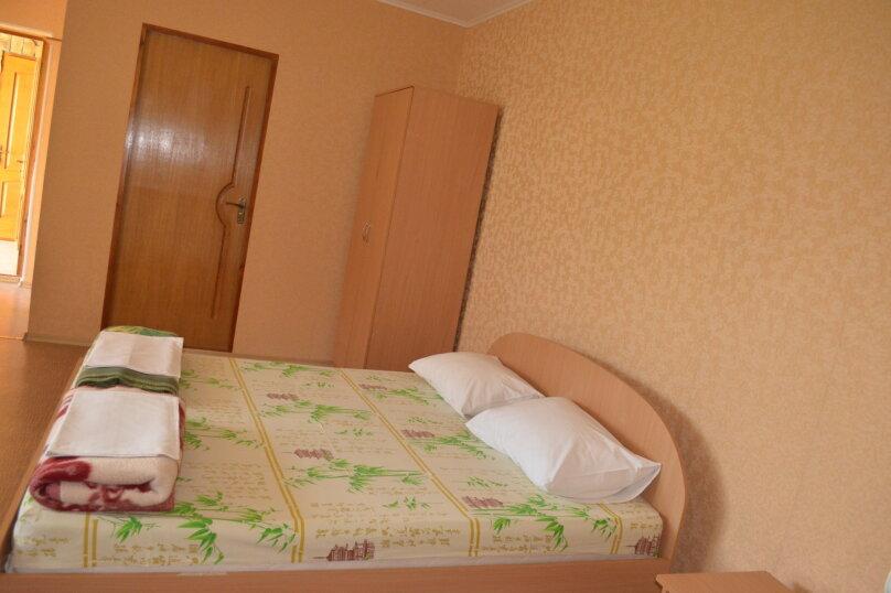 """Гостевой дом """"Уютный дворик"""", Береговая, 4 на 4 комнаты - Фотография 64"""