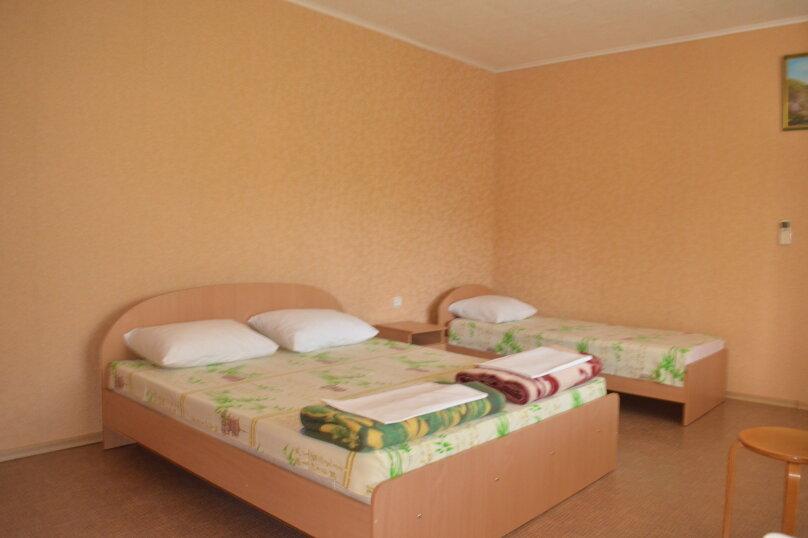 """Гостевой дом """"Уютный дворик"""", Береговая, 4 на 4 комнаты - Фотография 65"""