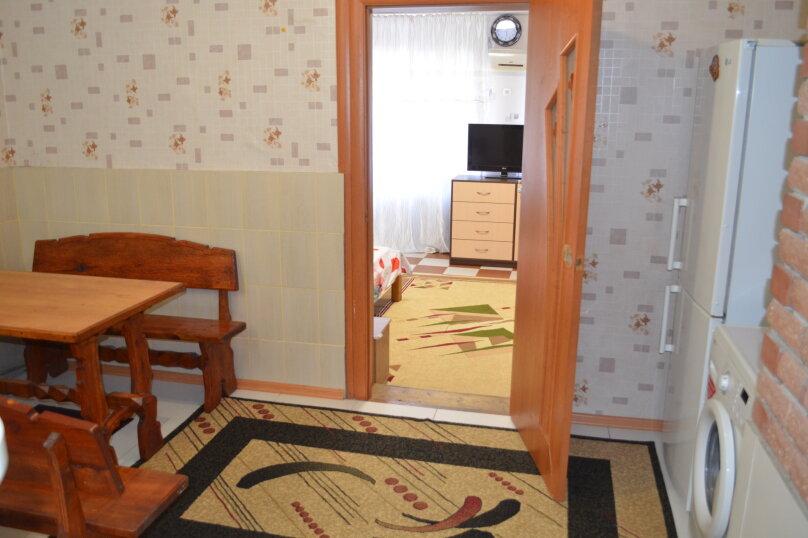 1-комн. квартира, 40 кв.м. на 4 человека, улица Владимира Хромых, 7, Алушта - Фотография 6
