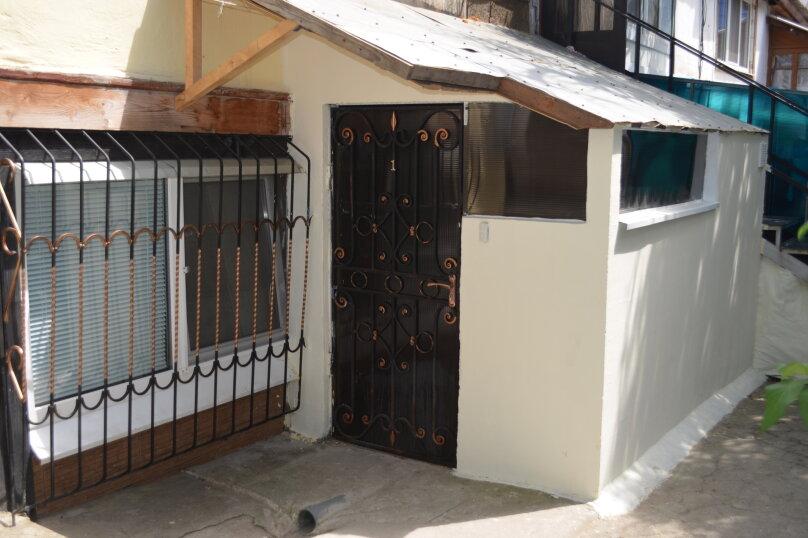 1-комн. квартира, 40 кв.м. на 4 человека, улица Владимира Хромых, 7, Алушта - Фотография 10