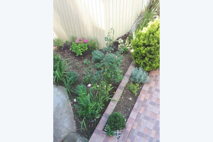 Гостевой дом Чайная роза 824077, улица Просвещения, 107А на 7 комнат - Фотография 5