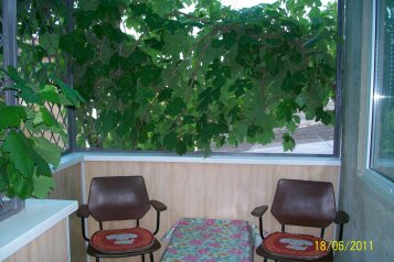 Дом в Евпатории в курортной зоне, 40 кв.м. на 3 человека, 1 спальня, улица Кирова, 82, Евпатория - Фотография 1