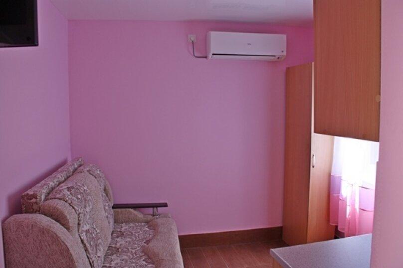 Двухместный эконом на первом этаже., улица Шевченко, 7, Ейск - Фотография 1