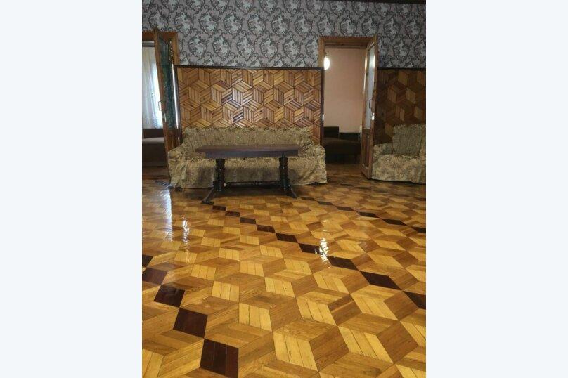 """Гостевой дом """"На Розы Люксембург 61"""", улица Розы Люксембург, 61 на 9 комнат - Фотография 12"""