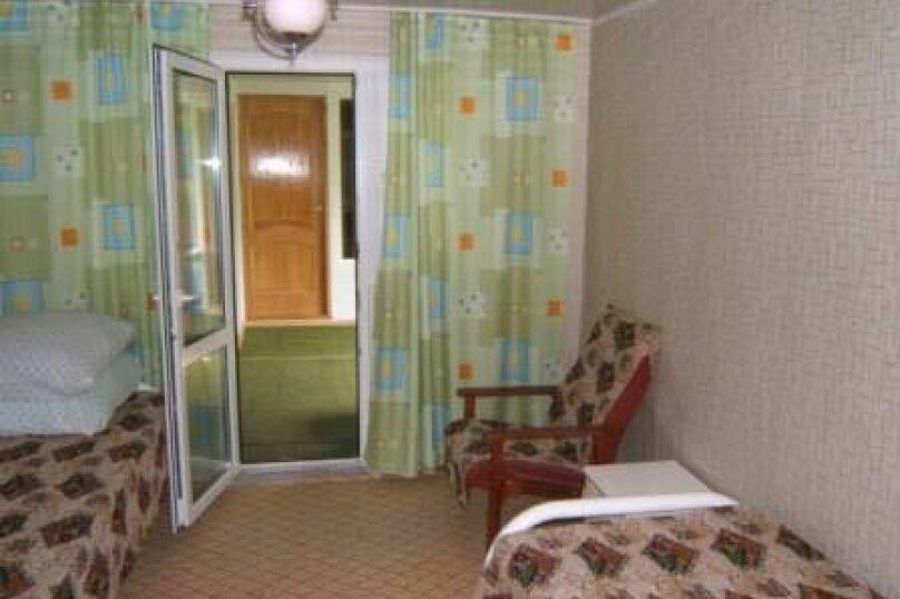 """Гостевой дом """"На Розы Люксембург 61"""", улица Розы Люксембург, 61 на 9 комнат - Фотография 14"""