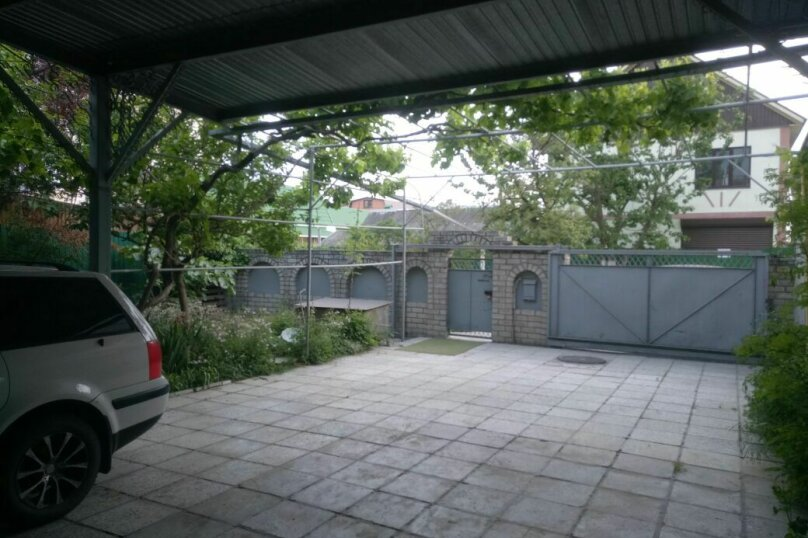 """Гостевой дом """"На Розы Люксембург 61"""", улица Розы Люксембург, 61 на 9 комнат - Фотография 18"""